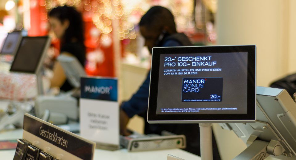Four key benefits of retail digital signage