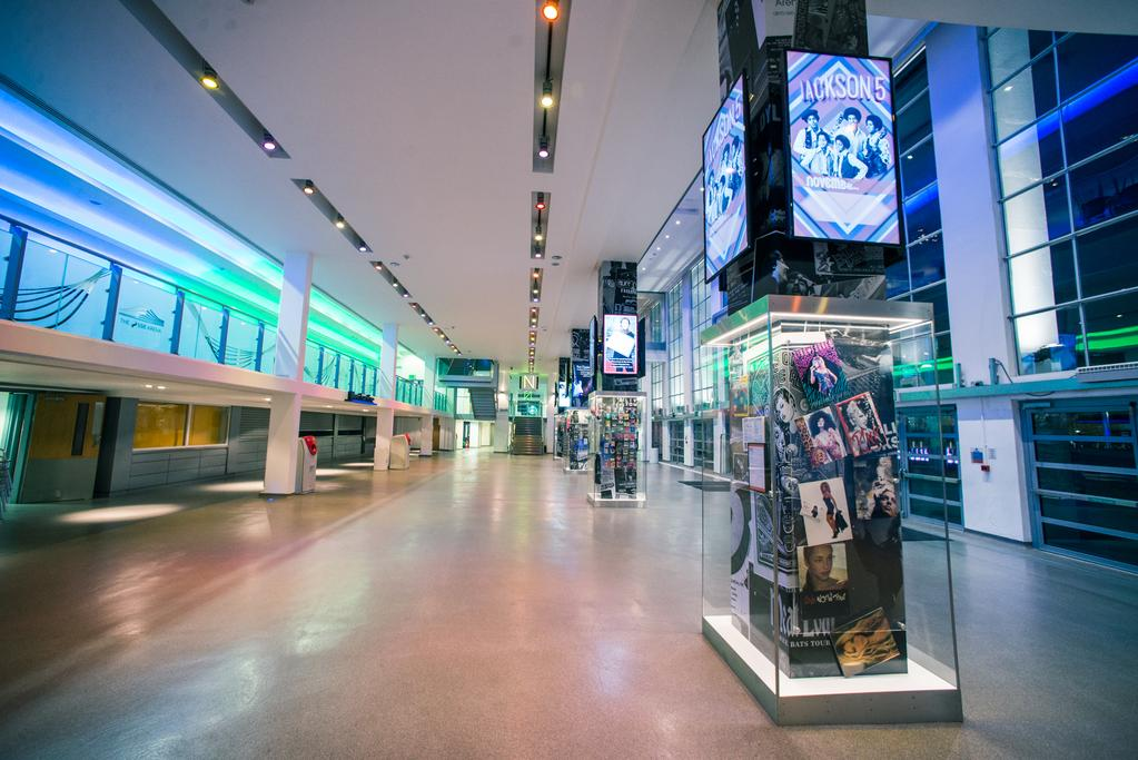 Digital signage and how to improve internal communications