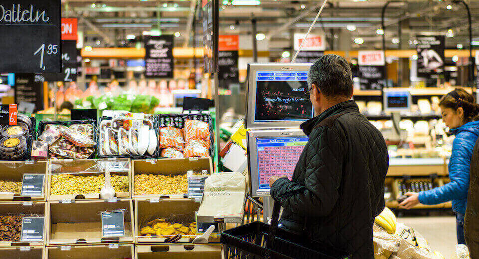 Digital Signage for Supermarkets: the Power of Shelf-edge Technology